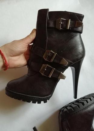 Новые ботинки, р 39-40