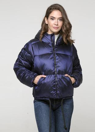 Фирменная зимняя куртка на пуху - короткая - капюшон