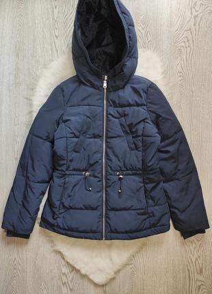 Синяя короткая деми зимняя куртка на молнии с капюшоном карманами пуффер парка