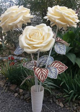 Светильник-торшер розы.