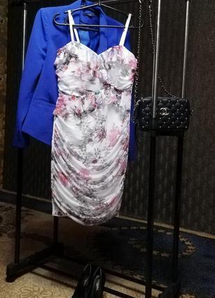 Стильное платье, размер l маломерит