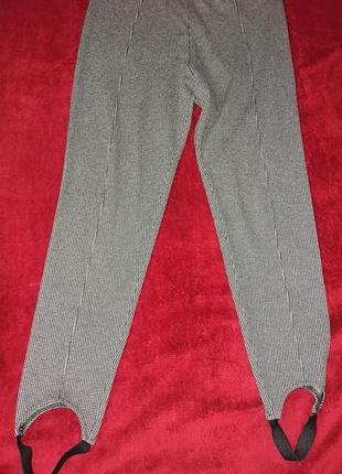 Бесподобные стрейчевые брюки-леггинсы