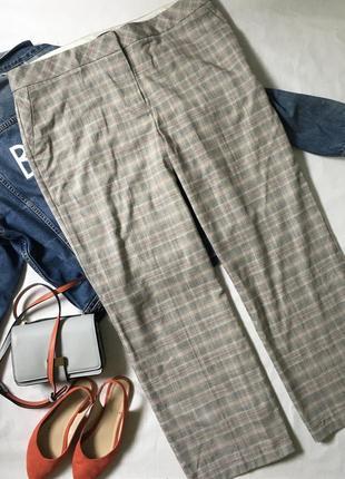 Стильні осінні штани в клітку