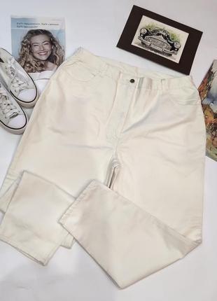 Белые джинсы мом,с очень высокой талией,,,батал!!