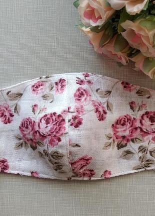 Детская маска с муслина с розами