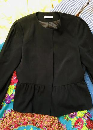 Шикарний чорний пиджак
