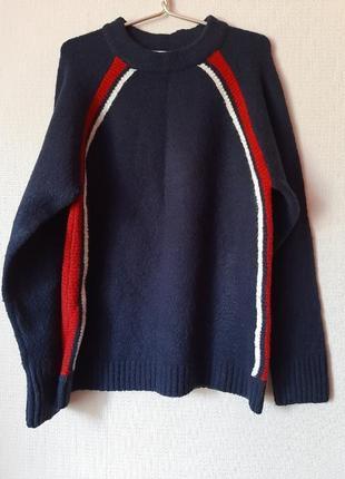 Теплый, мягкий, комфортный свитер темно-синего цвета
