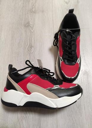 Яркие кроссовки на платформе claudia ghizzani разм.37
