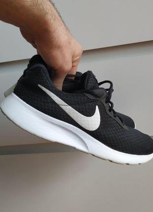 Nike tanjun чорні кросівки, р.41 (26,5 см)
