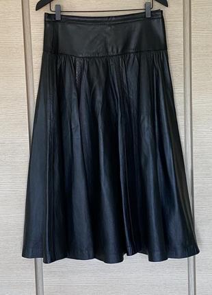Изумительная юбка класса люкс кожаная миди италия размер l