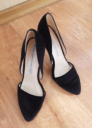 Черные фирменные бархатные туфли очень мягкие, стелька 24 см