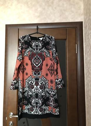 Стильное платье бренда h&m с длинным рукавом. новое. супер!