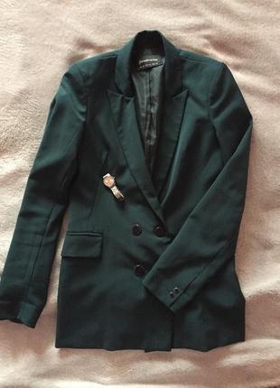 Красивый пиджак.