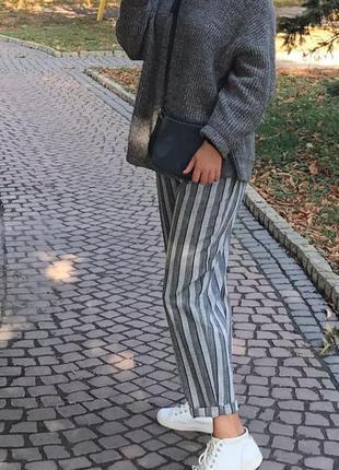 Трендовые серые штаны бананы бэгги слоучи в полоску