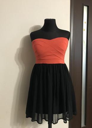 Короткое стильное платье tout tout