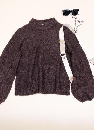 Мягкий уютный свитер шоколадного цвета