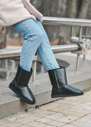 Ugg classic mini ii black leather (сапоги зимние черные)