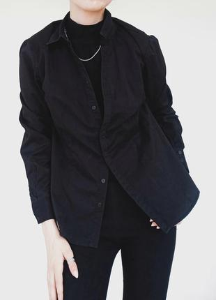Черная базовая рубашка atmosphere