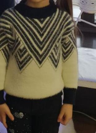 Мягкий свитер на 4-6 лет