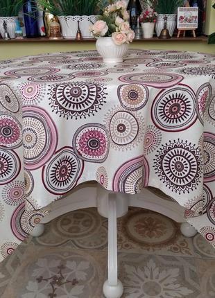 Скатерть с розовыми  кругами  110*160 см с водоотталкивающей ткани