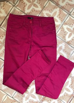 Яркие бордовые малиновые брюки