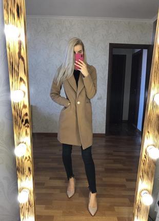 Кашемировое пальто бежевое