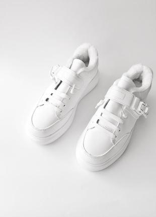 Тёплые кроссовки. белые кроссовки. белые ботинки. кроссовки осень