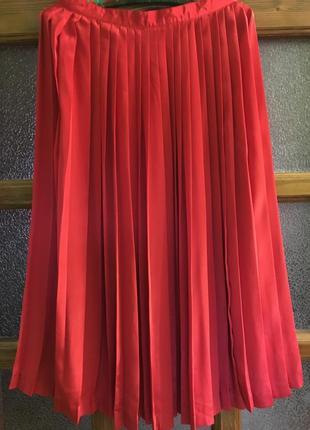 Стильная юбка в складку