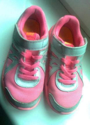 Кроссовки для девочки nike revolution 2 555091-011 silver citrus pink kids, размер 30