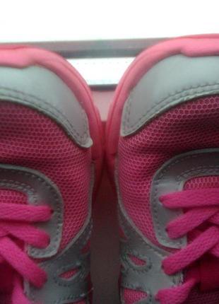 Кроссовки для девочки nike revolution 2 555091-011 silver citrus pink kids, размер 304 фото