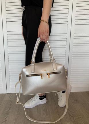 Новая вместительная белая перламутровая сумка