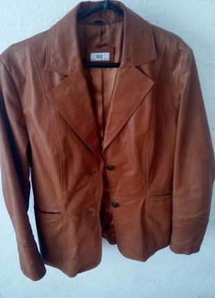Куртка осень. натуральная 100% кожа. рыжая симпатичная куртка. р-р 42
