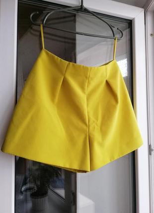 Шорты короткие желтого цвета завышенная талия