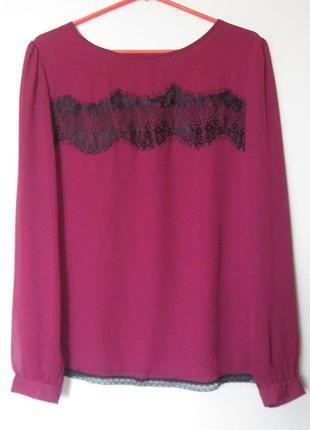 Яркая шифоновая блуза с кружевом