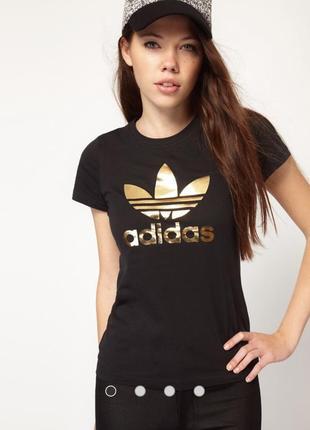 Отличная черная футболка adidas