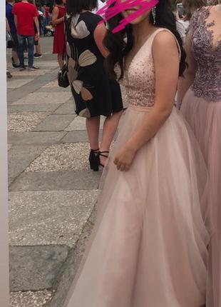 Выпускное платье пудра нежно розовый с v вырезом пышное