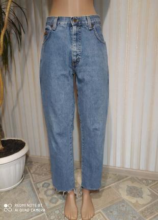 Wrangler   оригинал!! ахрененные джинсы  мом с необработаным краем. американцы