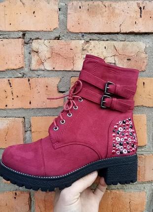 Осенний утеплённые ботинки, змейка и шнурок подойдёт на любой подьем