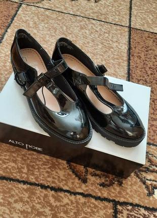 Туфли подростковые (женские)