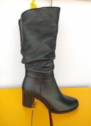 Демисезонные кожаные сапоги на среднем каблуке. днепр.