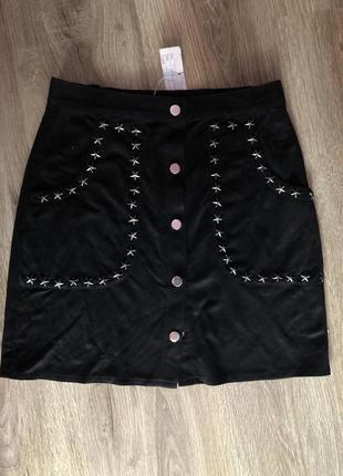 Замшевшая юбка на кнопках