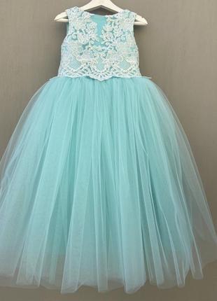 Нарядное платье для девочки пышное с бантом