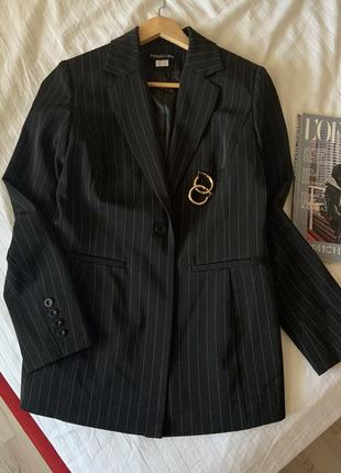 Удлиненный пиджак жакет в полоску