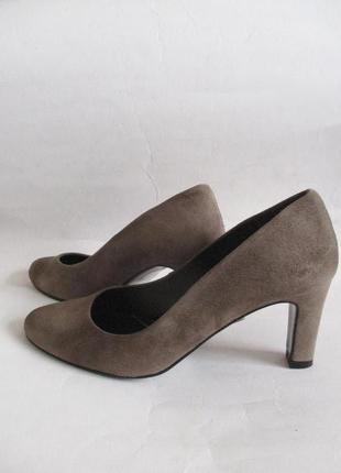 Кожаные туфли из натуральной замши minelli