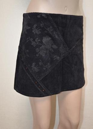 Черная , вельветовая, мини юбка
