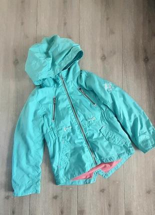 Ветровка куртка бирюзовая с капюшоном возраст 6-7 лет