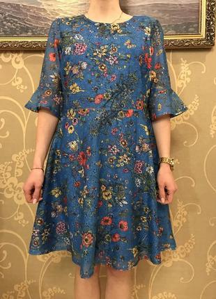 Нереально красивое и стильное брендовое кружевное платье в цветах.