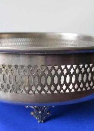 Блюдо silver plate италия. на лапах. d- 20 см.