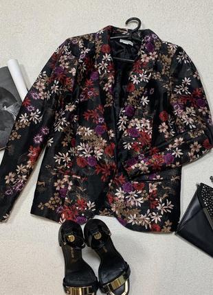Стильный пиджачек,размер xxl
