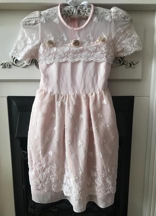 Италия! красивое нежное платье цвета пудры  на 4-5 лет